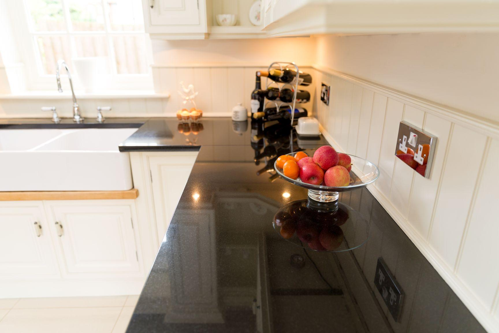 Selecting stunning kitchen work surfaces that stand the for Kitchen designs that stand the test of time